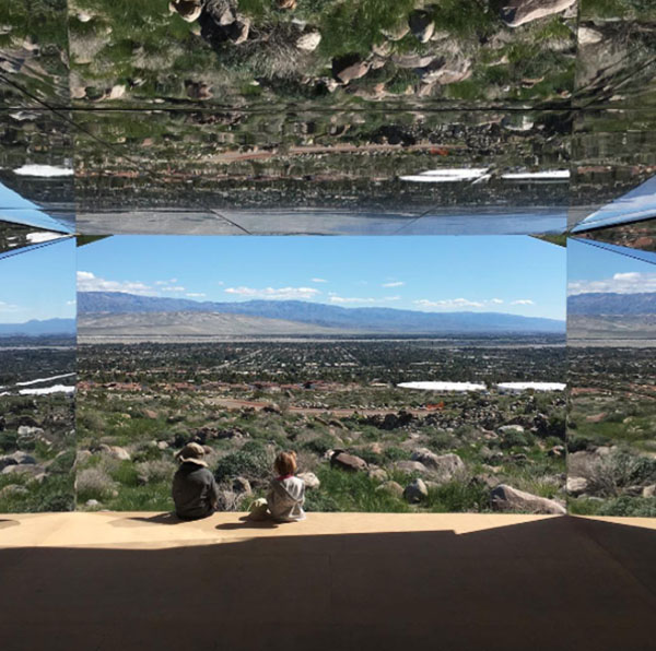 Sanat - Enstelasyon - Mimarlık - Doug Aitiken - Mirage - Desert X