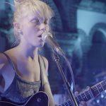 Crea.Tips - Müzik - Alice Phoebe Lou - Folk Müziği - Folk Music - Sokak Müzisyeni - Street Performance