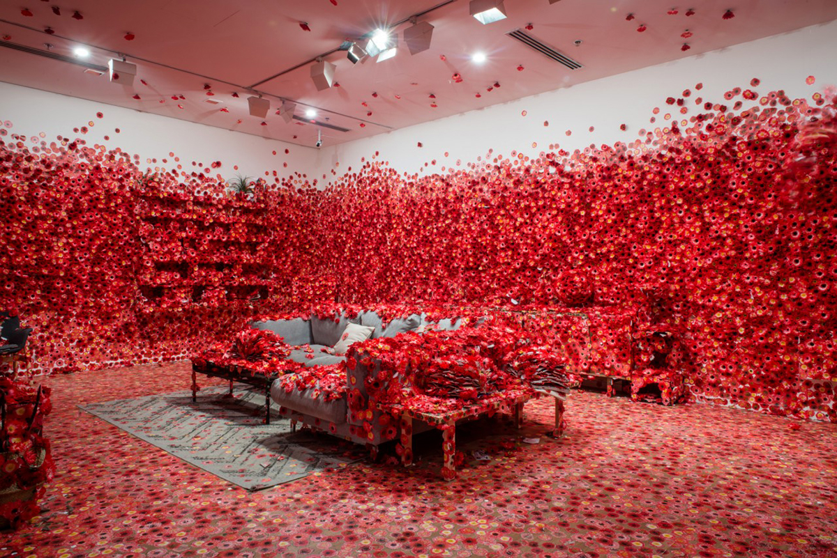 Crea.Tips - Sanat - Enstelasyon - Yayoi Kusama - Victoria Trianel - Flower Obsession